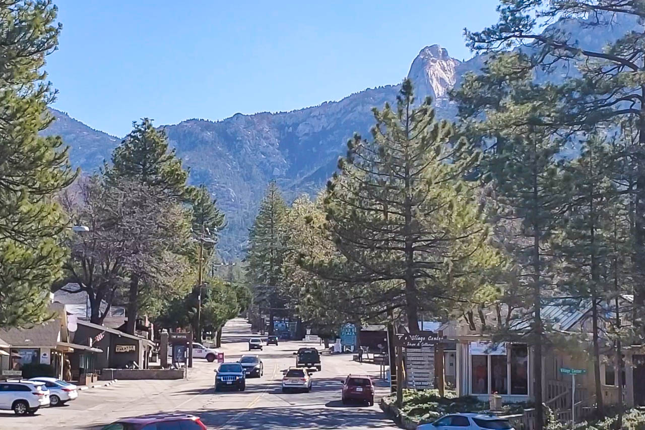 Idyllwild Town and Mountains
